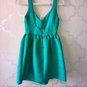 Dresses - ✨ Elegant Vintage inspired Emerald Green Dress S